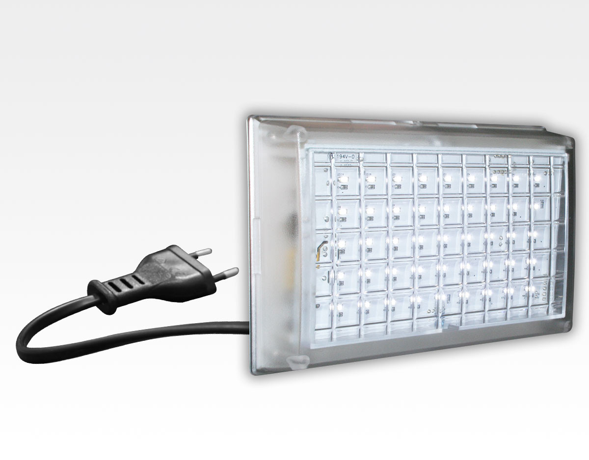StartKlar LED Notleuchte - Licht bei Netzspannungsausfall  / 174x114x34mm EN60598 mit Euro-Stecker